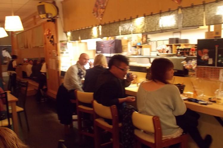 Guests Sushi Bar(4)_resized